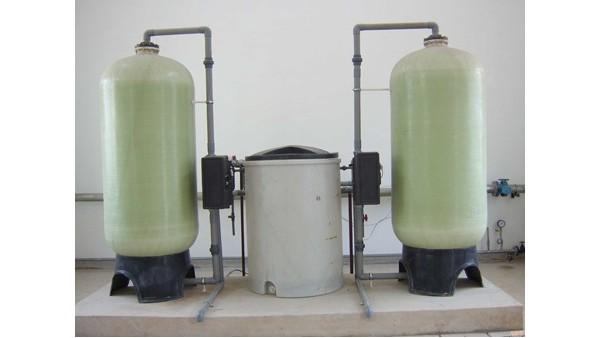 超纯水设备浓水箱结垢后处理办法